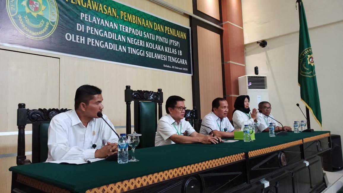 Pengawasan, pembinaan, dan penilaian PTSP di Pengadilan Negeri Kolaka Kelas 1B oleh Ketua Pengadilan Tinggi Sulawesi Tenggara